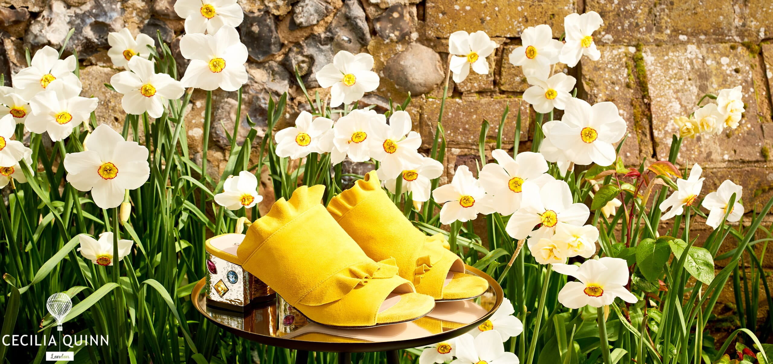 Yellow heels with Daffodils